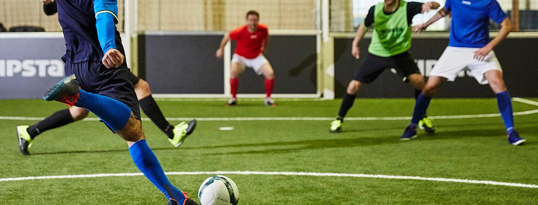 a4d8b1f010df6 A marca Kipsta tem a missão de tornar acessível o prazer da prática do  Futsal